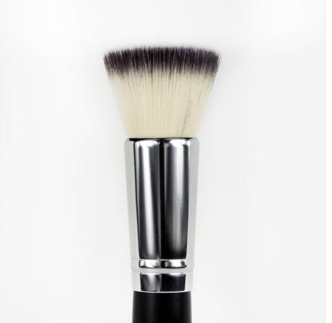 オ・ナチュレール ブロンザーブラシ (Au Naturale Bronzer Brush)