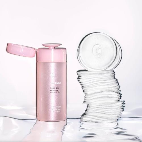 在庫あり!グロッシアー ソリューション拭き取り化粧水 +コットン(Glossier Solution)